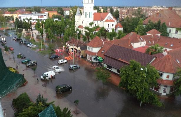 A Lordok házából ilyen a belvárosi látkép eső után (Fotó: Lévai Anita)
