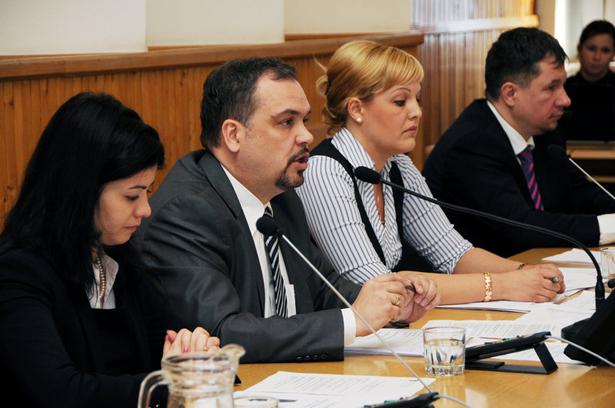 Zaali Mihály alpolgármester vezette a testületi ülést Fotók: Kecskeméti Krisztina