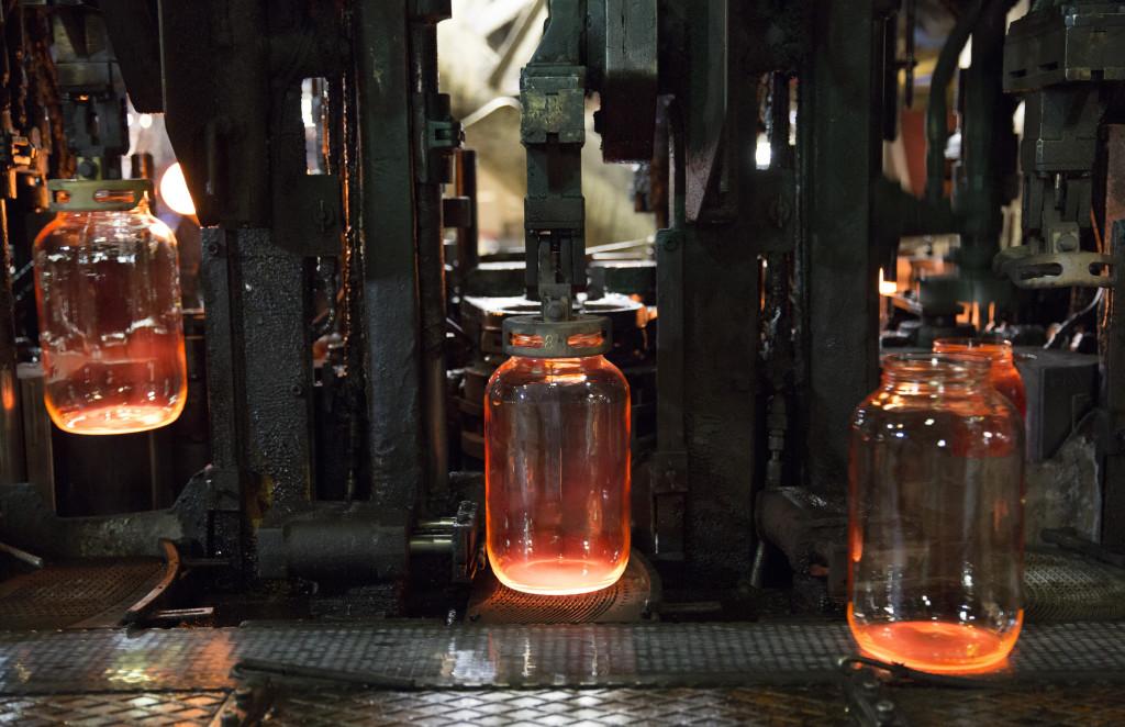 Továbbra is lesz öblösüveggyártás a városban (Archív fotó: Rosta Tibor)