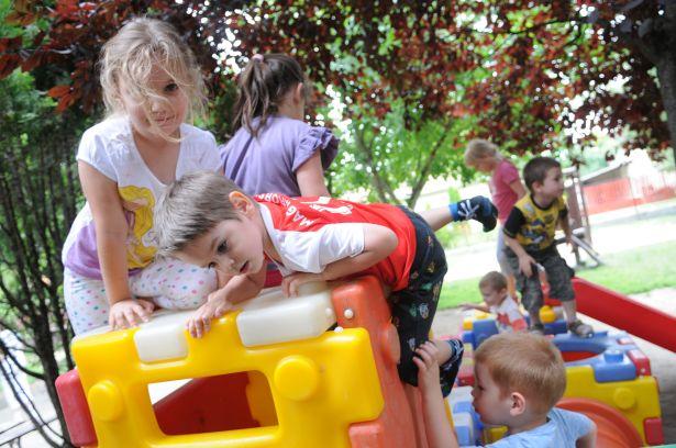 A nyári szünetben egyre több szülő járatja gyermekét óvodába (Fotó: Kecskeméti Krisztina)