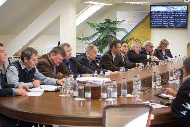 A testület egyhangúan fogadta el az értékelési szempontok módosítására vonatkozó előterjesztést (Fotó: Zentai Péter)