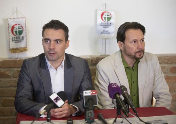 Vona Gábor és dr. Szabó Ervin sajtótájékoztatón számolt be a nap eseményeiről (Fotó. Rosta Tibor)