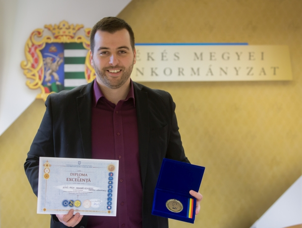 Az elismerést Szász Zsolt, a BMVA ügyvezető igazgatója vette át (Fotó: Zentai Péter)