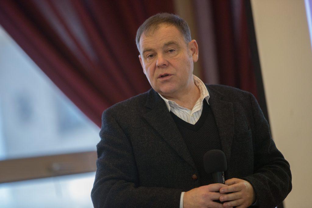 Dr. Szabó Péter, a Kodolányi főiskola rektora vázolja az iskola múltját és jövőbeni terveit