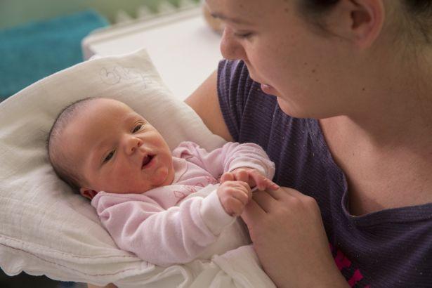 A kislány és édesanyja már otthon vannak (Fotó: Rosta Tibor)