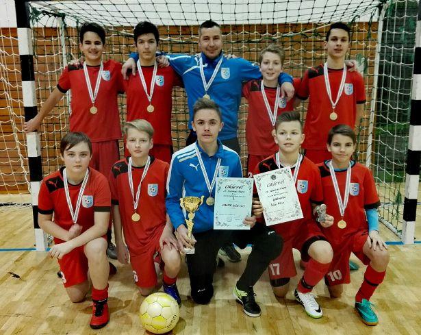 Az OMTK-ULE U14 kupagyőztes csapata (Fotó: egyesület)