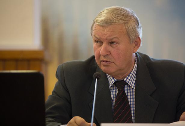 Fetser János: nem kell három alpolgármester (Fotók: Rosta Tibor)