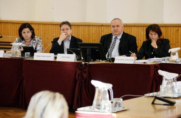 Dávid Zoltán: a kórházi dolgozók minden elismerést megérdemelnek (klikk a képre) Fotó: Rajki Judit