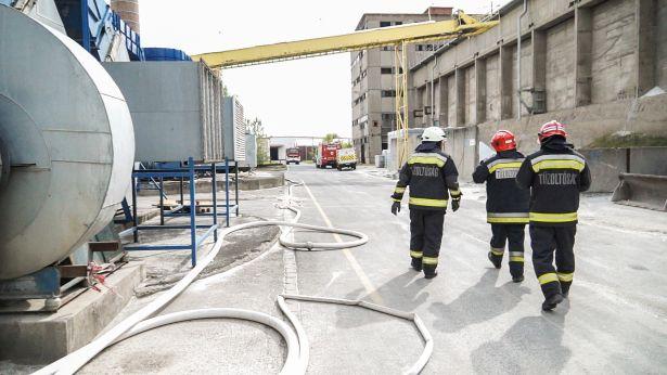 Az orosháziak mellett Hódmezővásárhelyről és Mezőkovácsházáról is érkeztek tűzoltók (Fotó: Takács Csaba)