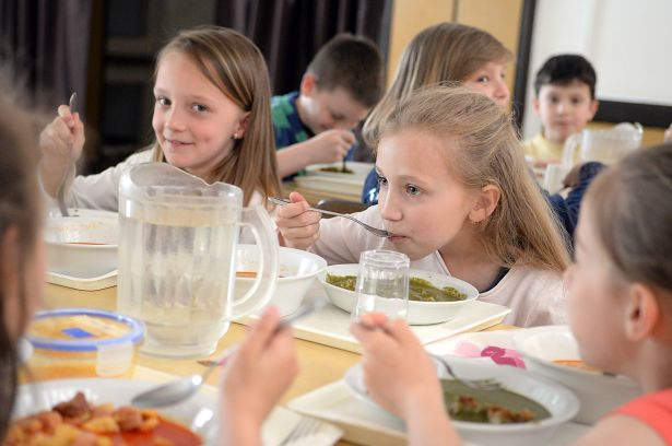 Nyáron sem maradnak ebéd nélkül a gyerekek (Fotó: Rajki Judit)