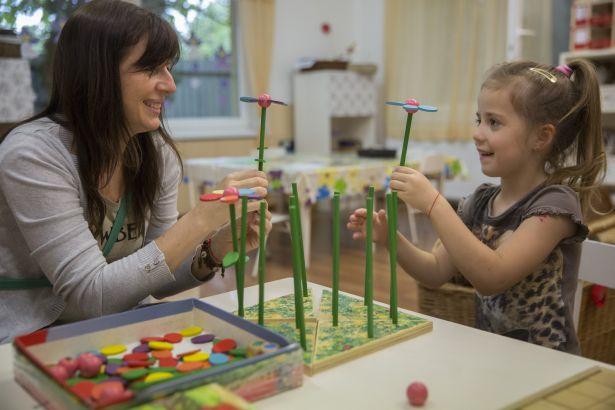 A közös játék a szülővel mindennél többet ér (Fotó: Rosta Tibor)
