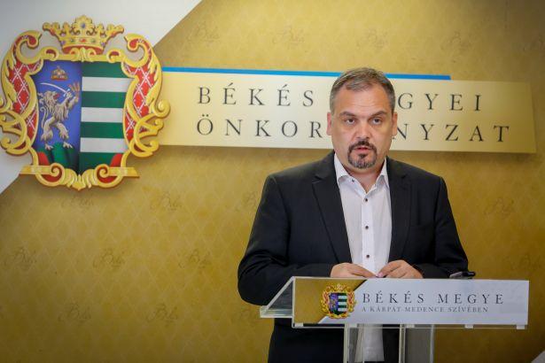 A Békés Megyei Önkormányzat elnöke, Zalai Mihály ismertette az újabb támogatói döntéseket (Fotó: Zentai Péter)