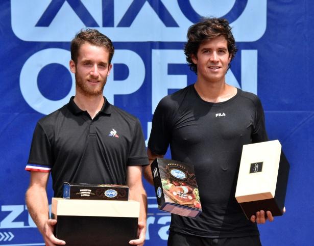 A verseny győztese (b) Constatnt Lestenne és a második helyezett Facundo Mena (j) a díjkiosztón (Fotó: Kiss Zoltán)