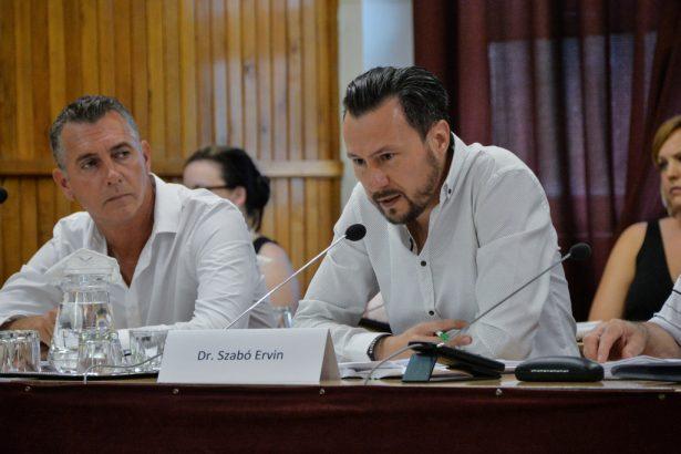 dr. Szabó Ervin (klikk a képre) Fotó: Kecskeméti Krisztina