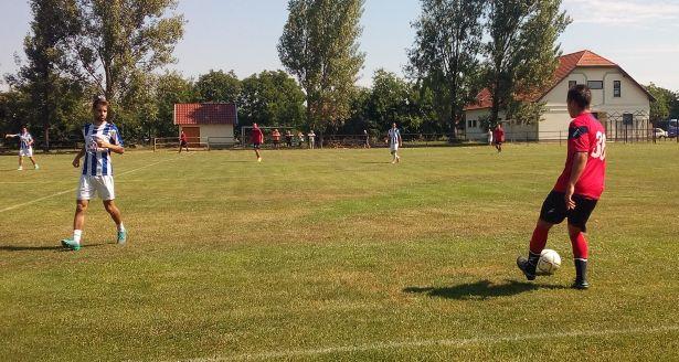 Nyéki Boldizsár (b) góllal és gólpasszokkal járult hozzá a Rákóczi sikeréhez (Fotó: Betkó Tamás)