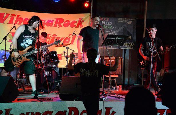Elemükben voltak a hazai zenekarok (klikk a képre) Fotó: Rajki Judit