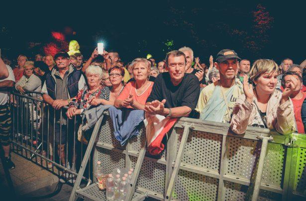 Rengetegen voltak a Főtéren (Fotó: Rajki Judit)