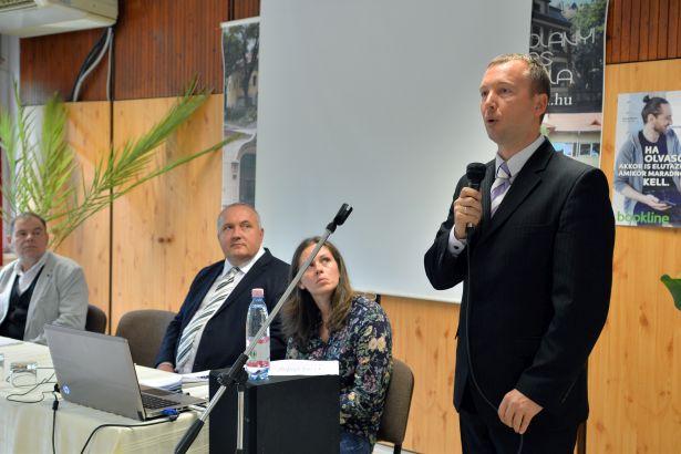 Malatyinszki Szilárd, a székhelyi központ igazgatója is köszöntötte a hallgatókat (Fotó: Kecskeméti Krisztina)