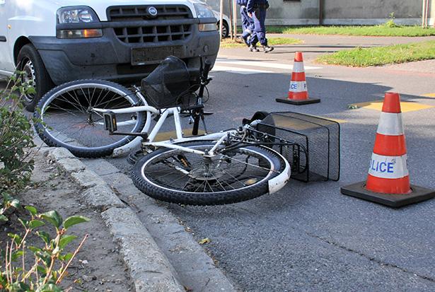 Könnyű sérüléssel került kórházba a biciklis (Fotó: Rajki Judit)