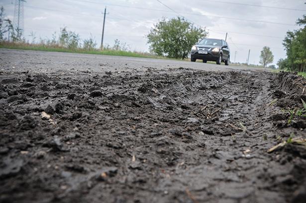 Fokozottan figyeljünk a sáros úton (Fotó: Kecskeméti Krisztina)