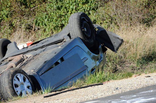 A balesetben a sofőr könnyebb sérüléseket szenvedett (klikk a képre) Fotó: Kecskeméti Krisztina