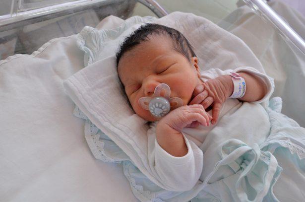 Márics Olívia vagyok, szeptember 19-én születtem 3080 grammal és 46 centiméterrel. Anyukám neve: Rostás Ágnes. Fotó: Rajki Judit