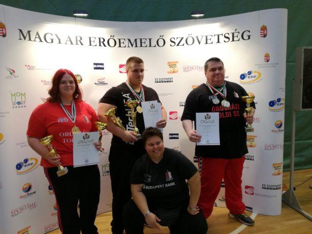 Lovas Mónika, Véró Alex, Bodnár István és segítőjük Szabó Ágnes Fotó: Egyesület